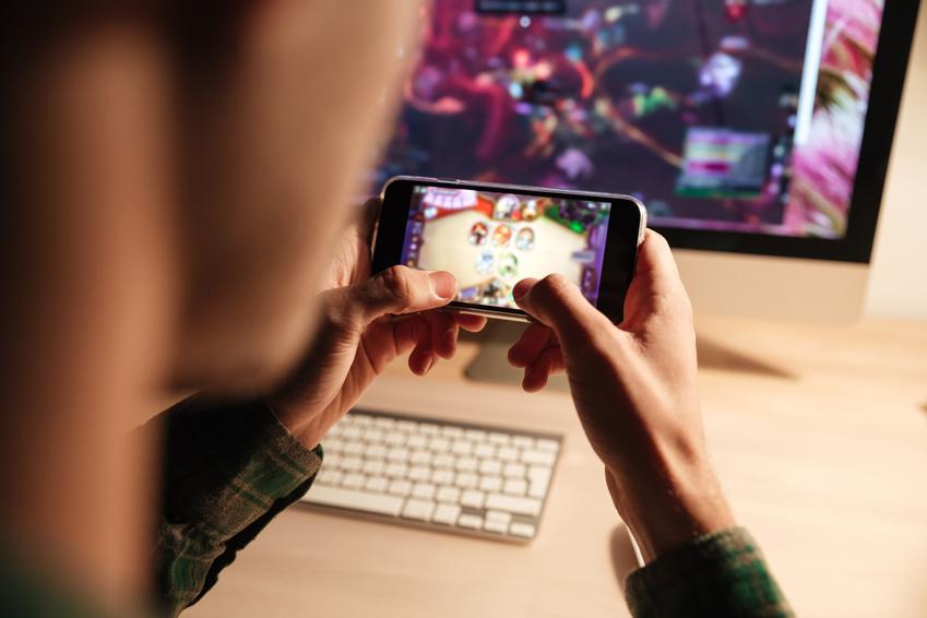 Pratique excessive des jeux vidéo : mon ado est-il «addict»?